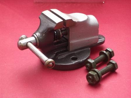Uhrmacherschraubstock Werkzeug für eine Auftischmontage