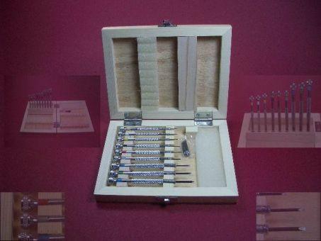 Schraubendreher-Set Werkzeug mit Holzkiste