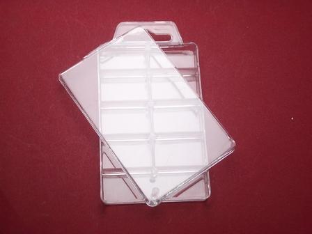 Kunststoffdose mit neun Fächern und Deckel  ca.110mm x 60mm x 13mm