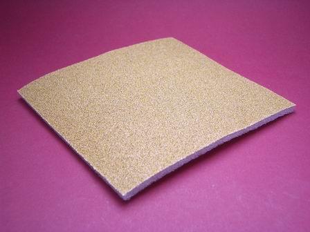 Flexibles Schleifpapier mit 60er Korn auf Schaumstoff kaschiert