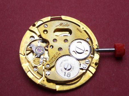 Uhrwerk Mido Kaliber 01147NOC  Datum schwarze Schrift auf silbernen Grund