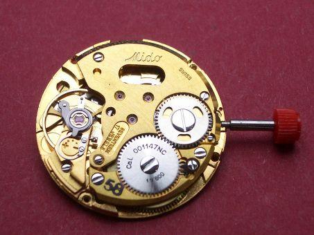 Uhrwerk Mido Kaliber 001147NOC  Datum schwarze Schrift auf silbernen Grund