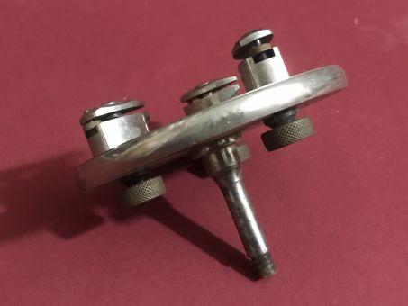 Altes Uhrmacher-Werkzeug, gebrauchte Planscheibe für 8mm Uhrmacherdrehbank