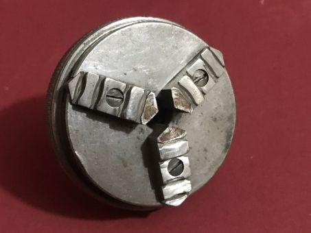 Altes Uhrmacher-Werkzeug, gebrauchtes 3 Backenfutter mir 8mm Aufnahme für Uhrmacherdrehbank