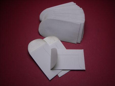 50 Stück Papiertütchen mit Klebelasche 40mm x 60mm im geschlossenen Zustand